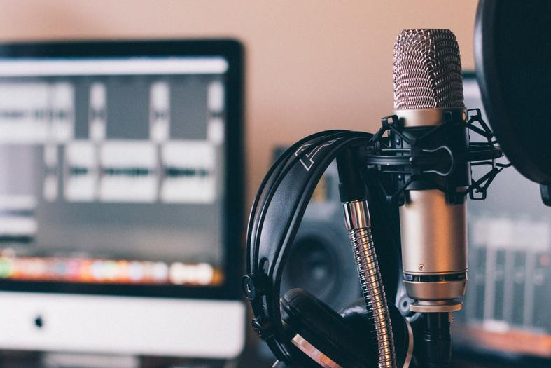 Why Podcasting Can be Easier than Video Marketing for Small Businesses